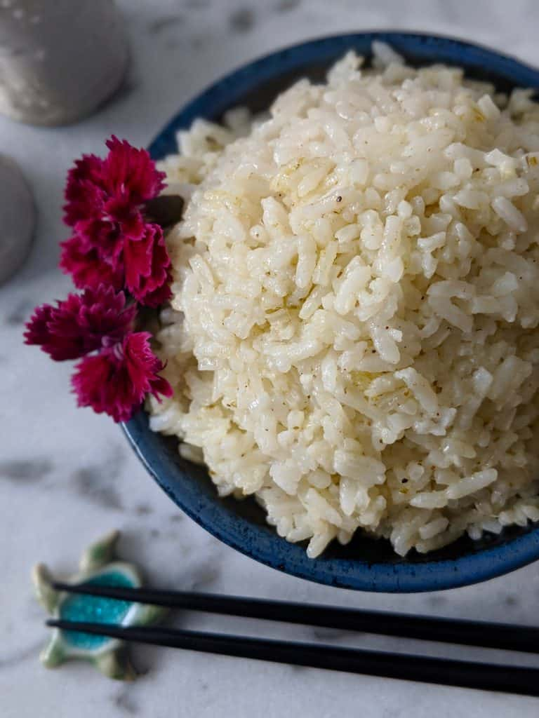 Coconut rice with edible flowers