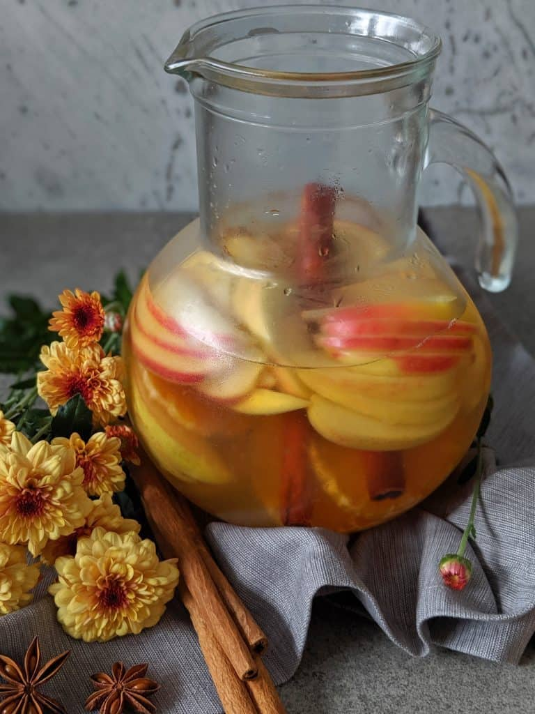 Honeycrisp apple sangria should sit in the fridge at least 8 hours for flavours to fully assimilate.