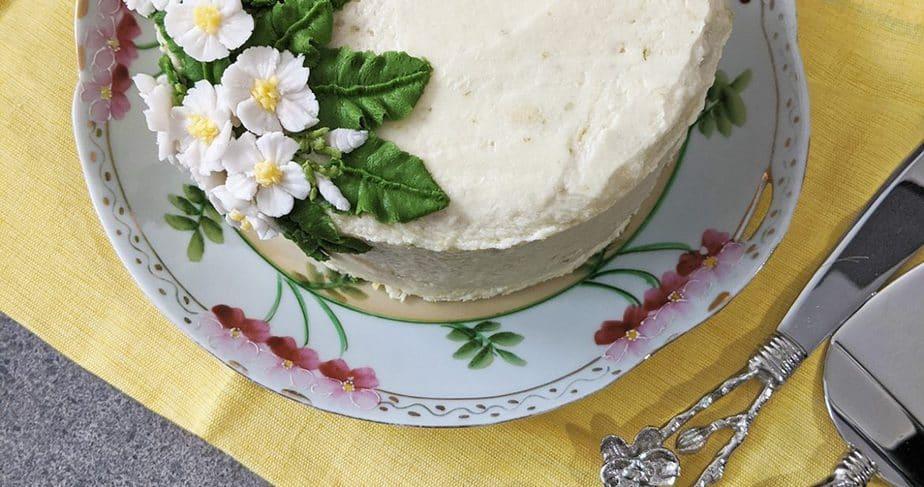 A lemongrass cake on a yellow napkin.